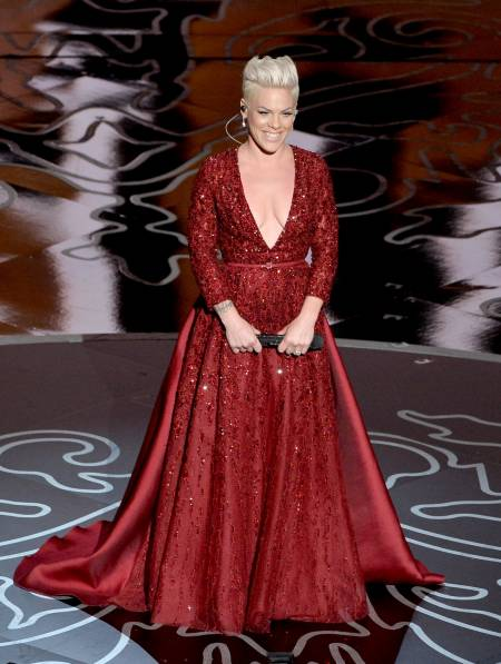 P!nk 2014 P!NK Sings 'Over the...